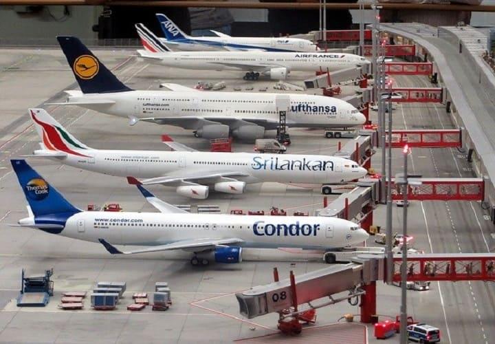 Несколько моделей самолетов