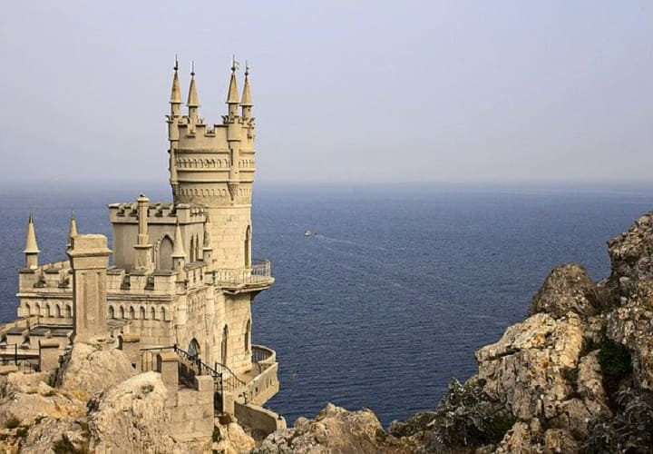Посмотреть самостоятельно Ласточкино гнездо Крым