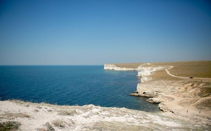 Посмотреть самостоятельно берег в Крыму