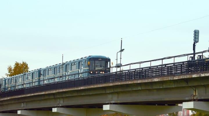 как добраться из Внуково в Домодедово на метро