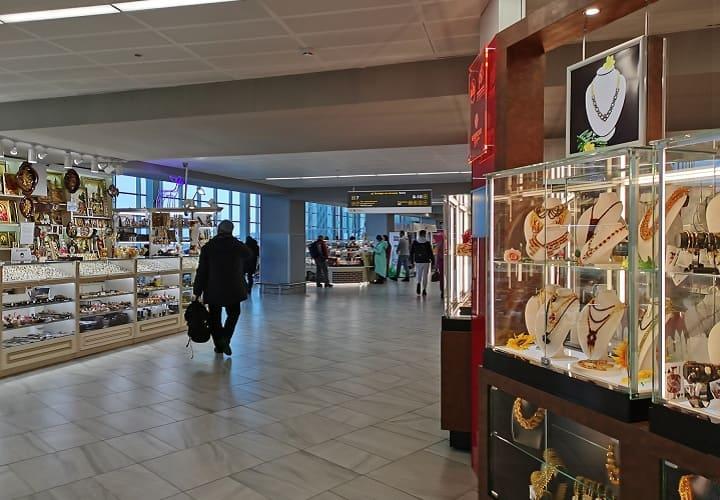 Что привезти в подарок из Калининграда туристы в аэропорту